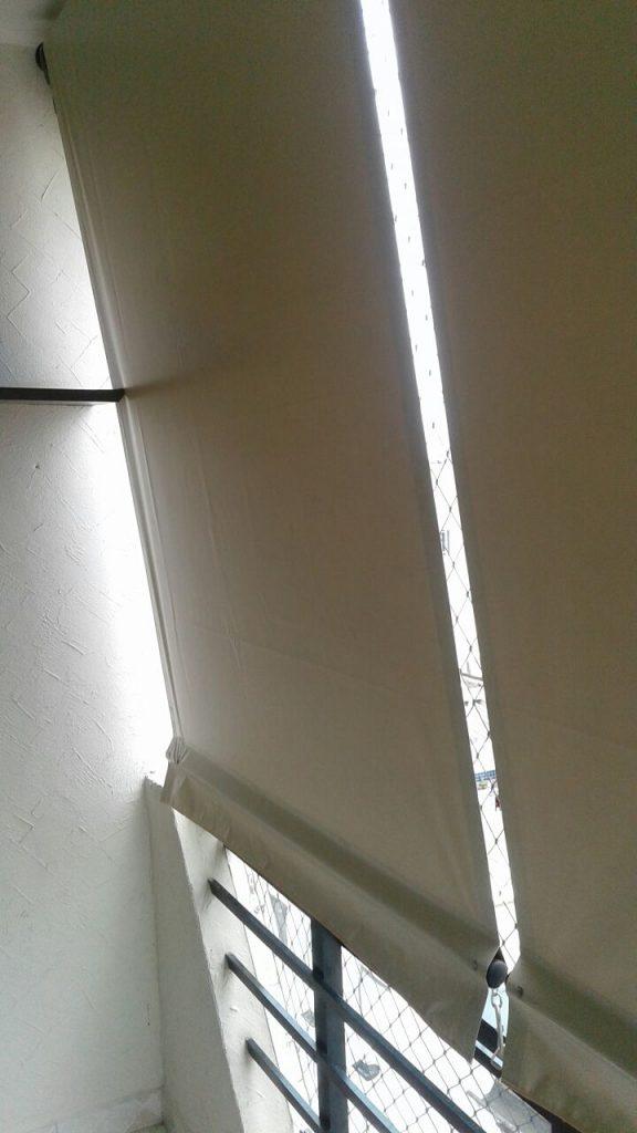 Cortinas com visor transparente e rolô